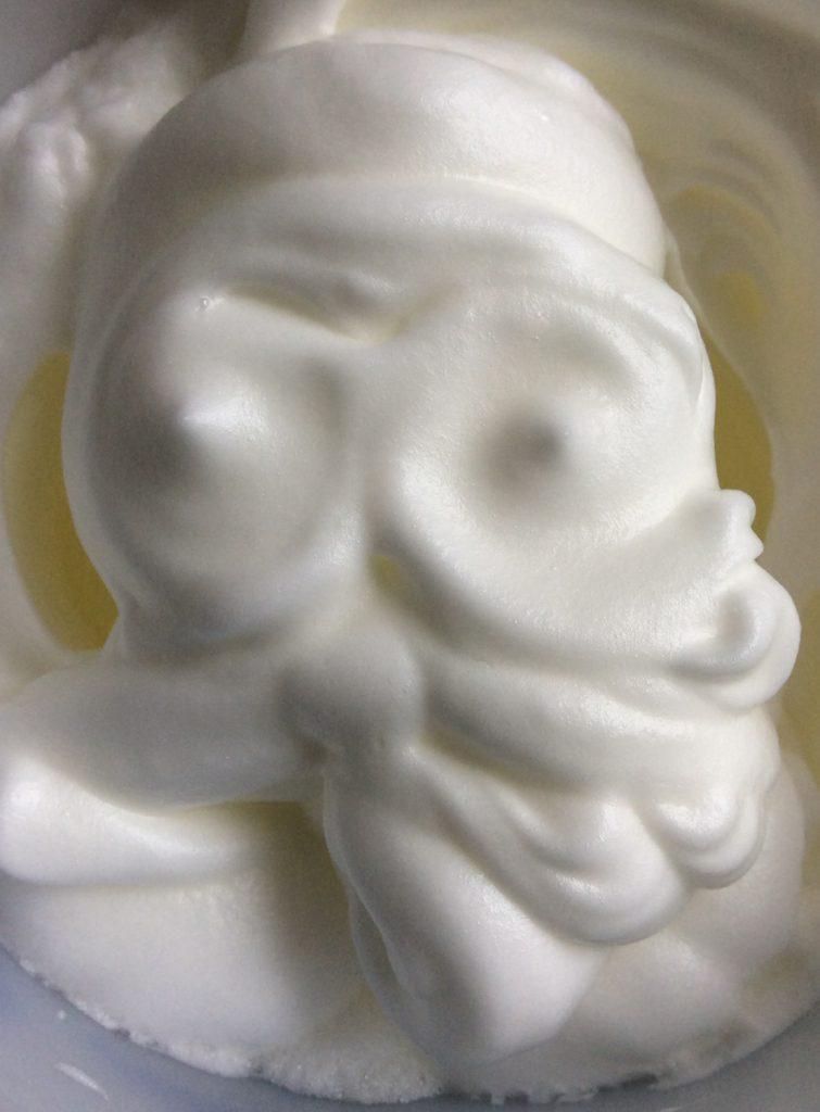 Weihnachtliche Spinnstube - Weihnachtsmann aus Eischnee