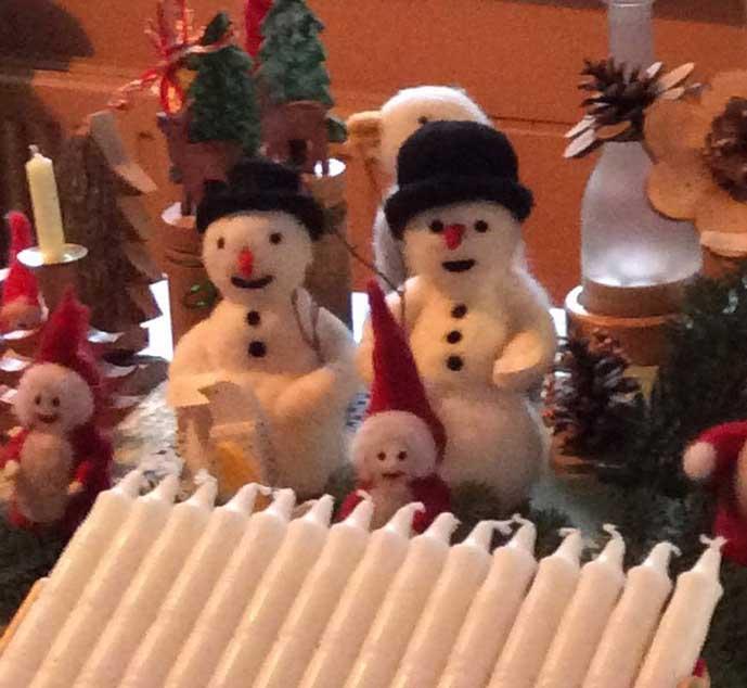 Weihnachtsmarkt an der Holzmühle - wie es war -Schneemänner und selbstgedrechselte Kerzen - Angela