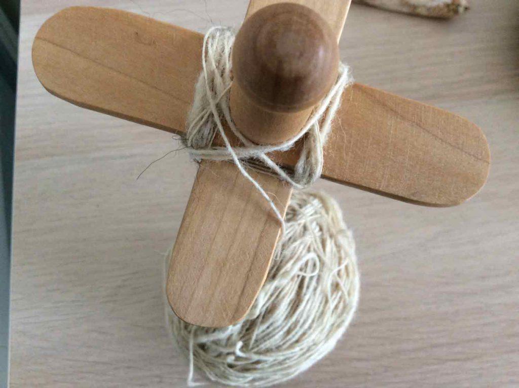 kreuzspindel wickeln - 7. Faden Wickeln wechseln zur Unterseite